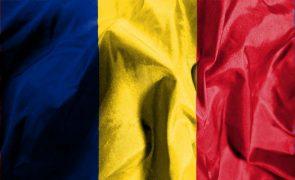 PE insta Roménia a suspender