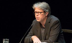 Novo livro de Jonathan Franzen é publicado hoje em Portugal e nos Estados Unidos