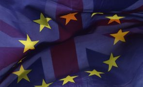 Governo britânico delibera hoje sobre rascunho de acordo de saída do Reino Unido da UE