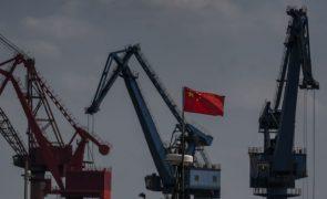 Retalho e imobiliário abrandam na China, mas produção e investimento aumentam