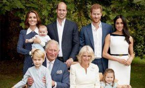 Príncipe Carlos comemora 70 anos com sessão fotográfica incrível