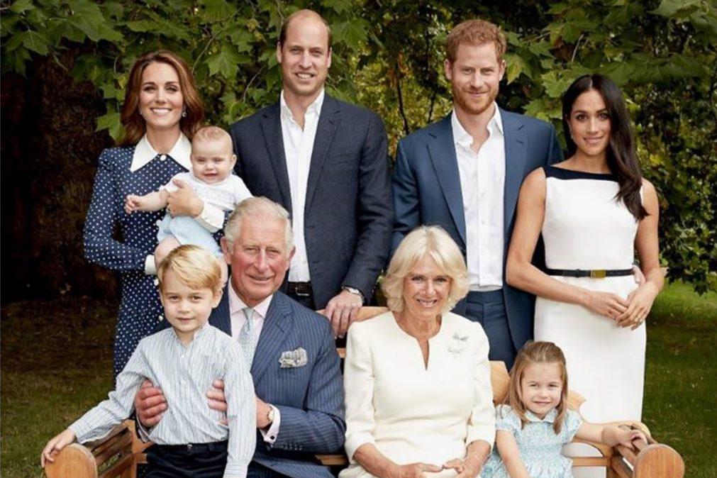 Como o príncipe Carlos foi um grande apoio na vida de Meghan Markle