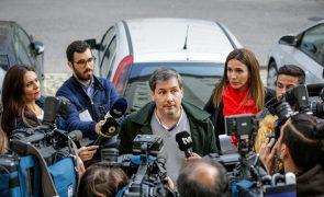 «Só quero abraçar a minha filha» admite Bruno de Carvalho ao chegar a casa