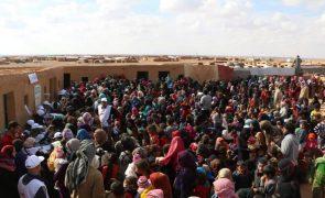 Síria: Cerca de 10 mil civis retidos em zona controlada por extremistas