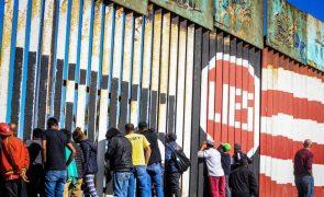 Mais de 1.500 migrantes da América Central já chegaram à fronteira dos EUA