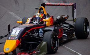 Britânico Daniel Ticktum parte em primeiro para a qualificação da F3 em Macau