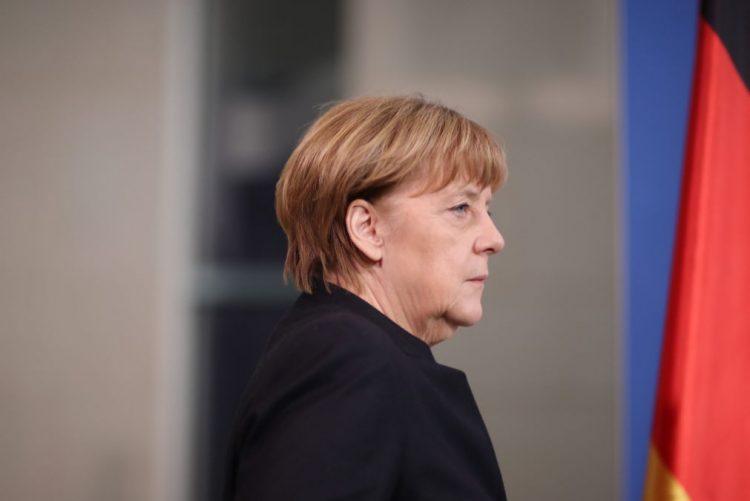 Angela Merkel afirma que incidente de Berlim foi um