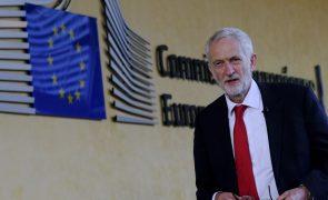 Líder dos Trabalhistas diz que 2.º referendo sobre o Brexit só como opção para o futuro