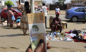 Moeda angolana volta a depreciar-se frente ao euro e inalterável face ao dólar