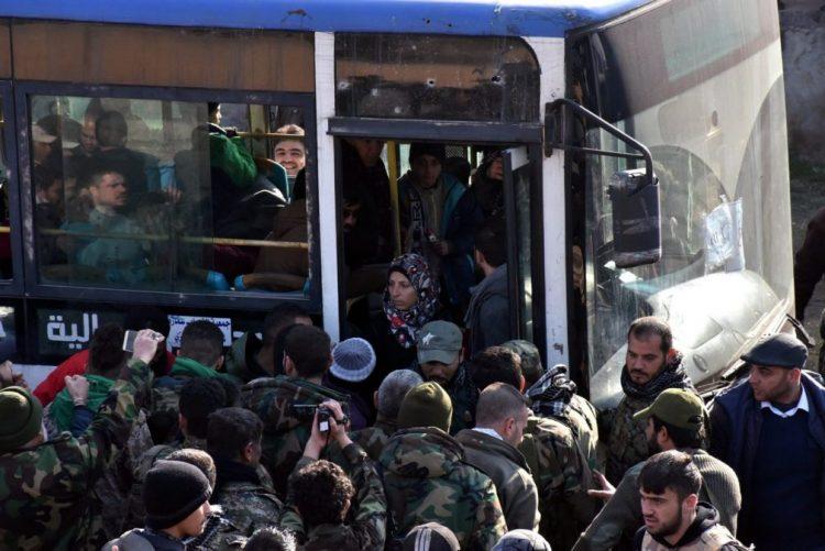 Síria: Evacuação de Alepo permitiu retirar até hoje entre 19 e 25 mil pessoas