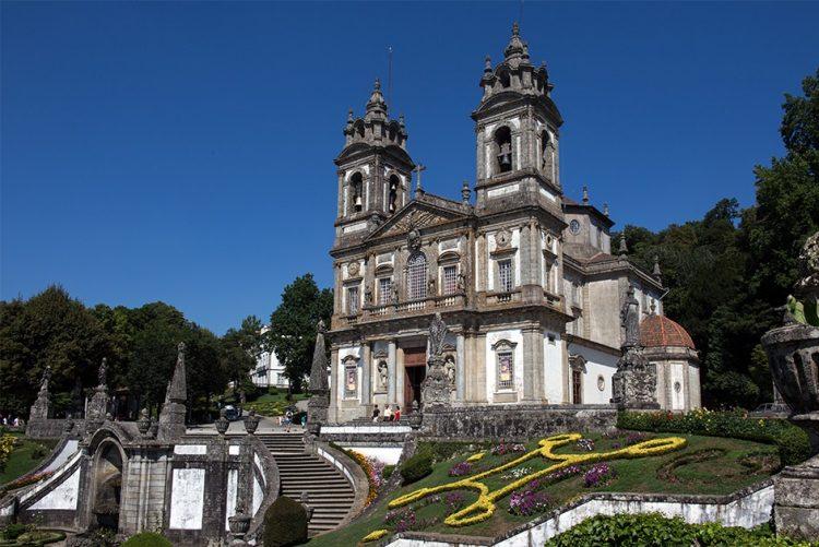 'Apagão' em Braga deveu-se a avaria de cabos