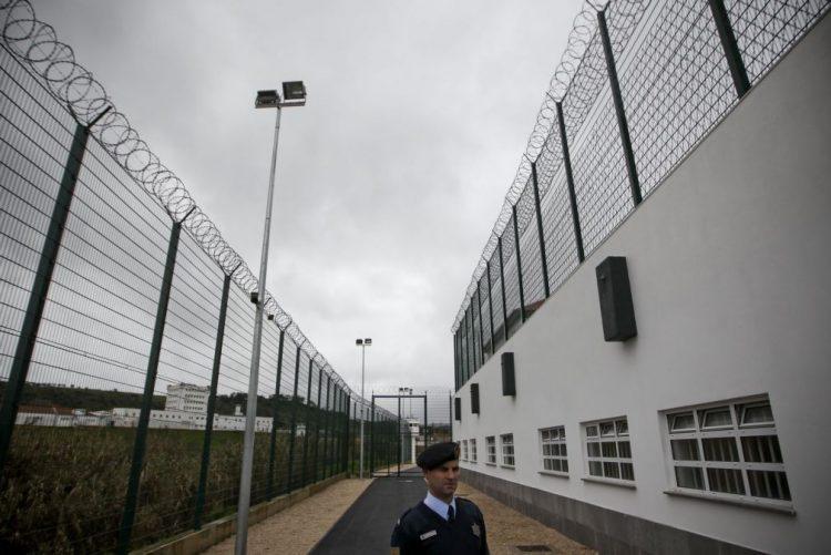 Testes para detetar álcool e droga a guardas prisionais em votação em comissão parlamentar