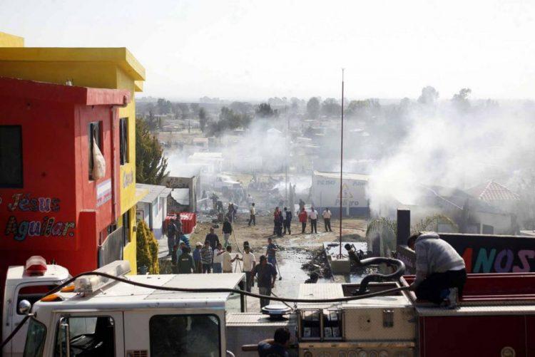 Sobe para 26 o número de mortos em explosões numa fábrica de pirotecnia no México