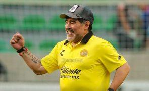 Morreu Diego Armando Maradona