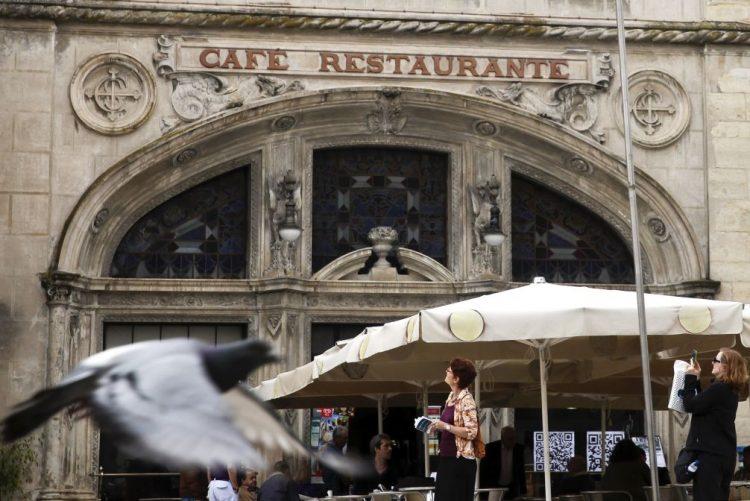 Comerciantes da baixa de Coimbra queixam-se de um Natal fraco e sem vendas