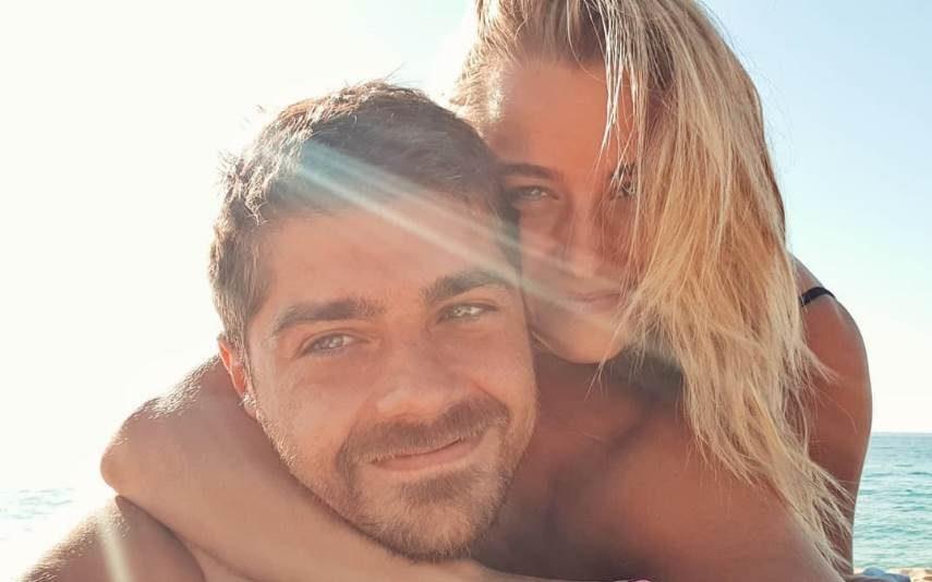 Kelly Bailey e Lourenço Ortigão Na Madeira, nem o frio os impede de irem a banhos (vídeo)