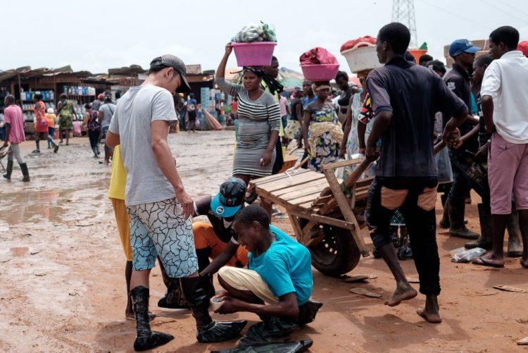 Angola regista diariamente entrada ilegal de 100 pessoas