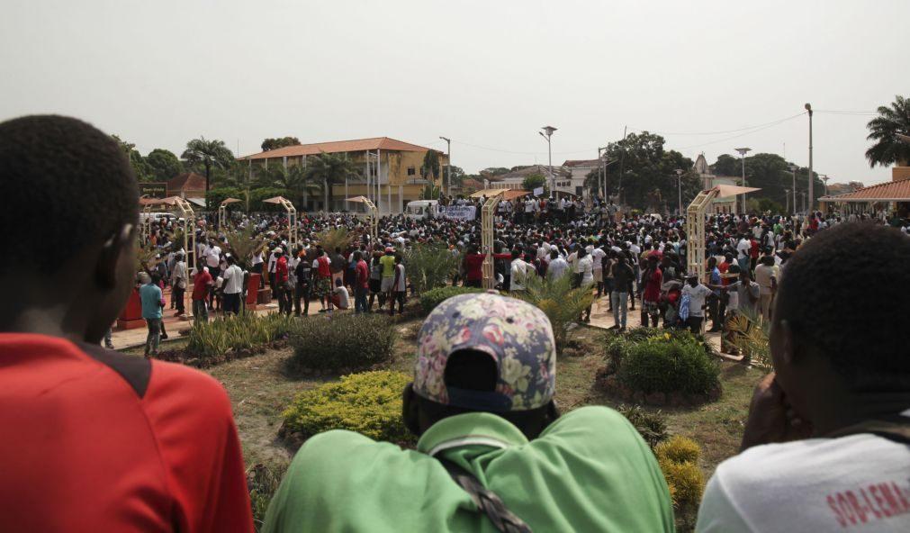 Polícia guineense deteve 20 jovens por atos ilícitos durante manifestação