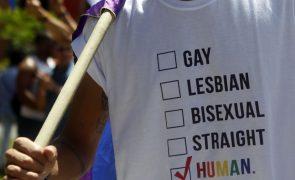 Presidente da Hungria promulga a polémica lei sobre homossexualidade