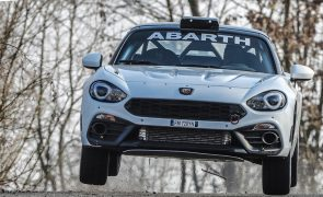 Abarth 124 rally 2019 revisto para defender estatuto de líder nos ralis [vídeo]