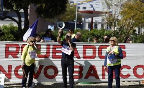 Lesados do BES fizeram protesto ruidoso junto a casa do governador do Banco de Portugal