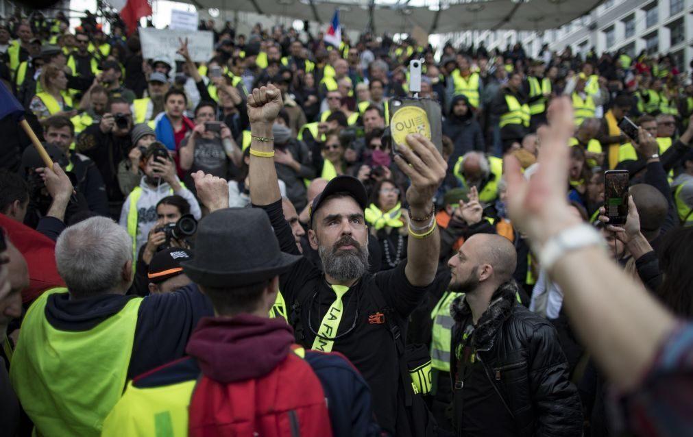 Protesto dos coletes amarelos em França com mais baixa adesão desde novembro