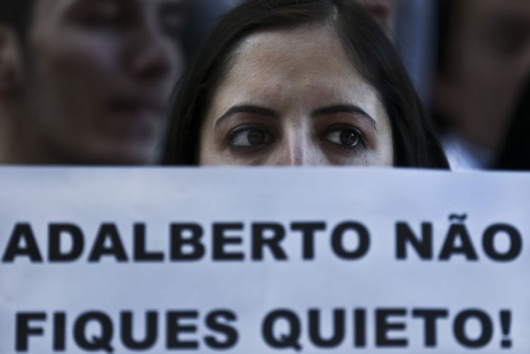 Técnicos superiores de saúde suspendem greve em véspera de reunião com Governo