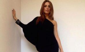 Carolina Torres testa positivo à covid-19 e deixa produção de série em alvoroço