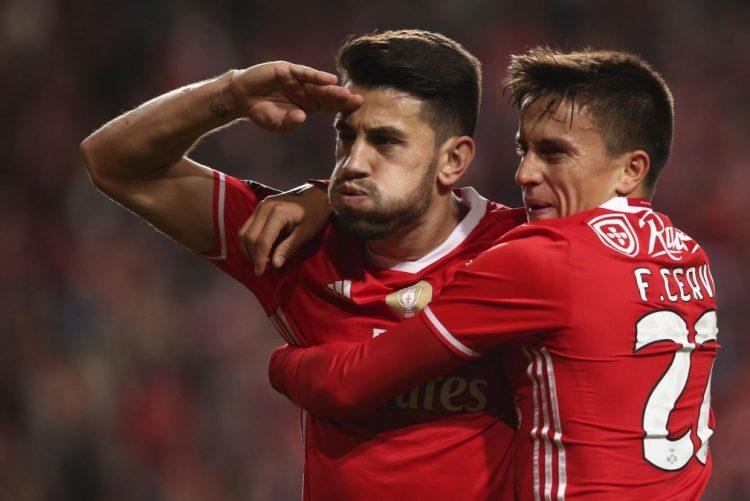 Benfica defende liderança da I Liga no Funchal antes do dérbi com o Sporting