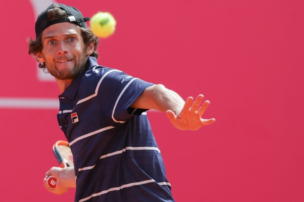Pedro Sousa eliminado na primeira ronda do Estoril Open