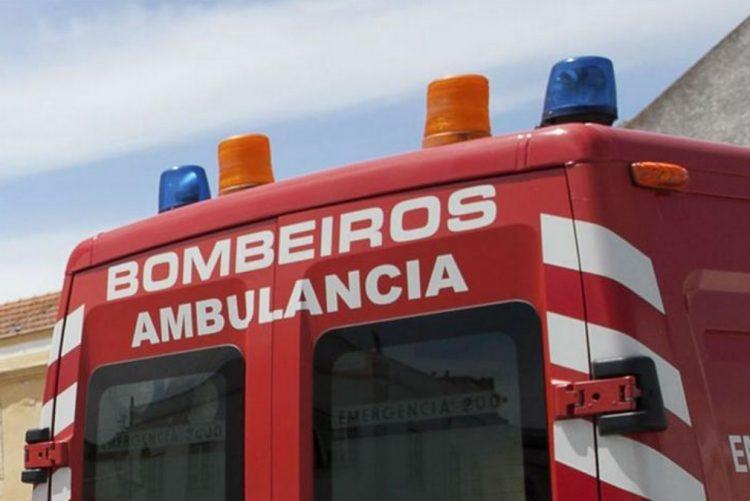Homem de 27 anos morre em acidente entre camião e carro na EN393