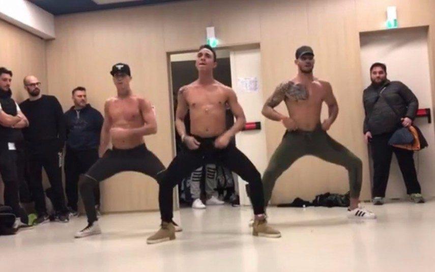 Vídeo Viral Grupo de bailarinos faz sucesso em tronco nu