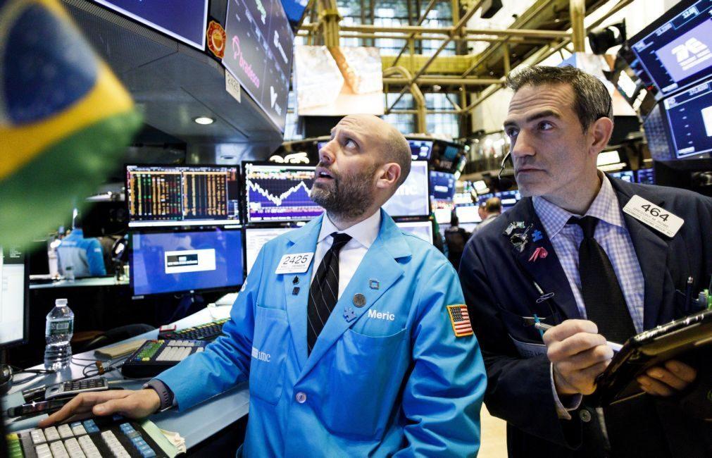 Wall Street tenta recuperar de perdas com ajuda das tecnológicas