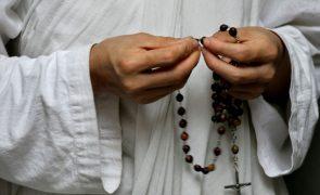 Arcebispo polaco sancionado pelo Vaticano por encobrir abusos sexuais