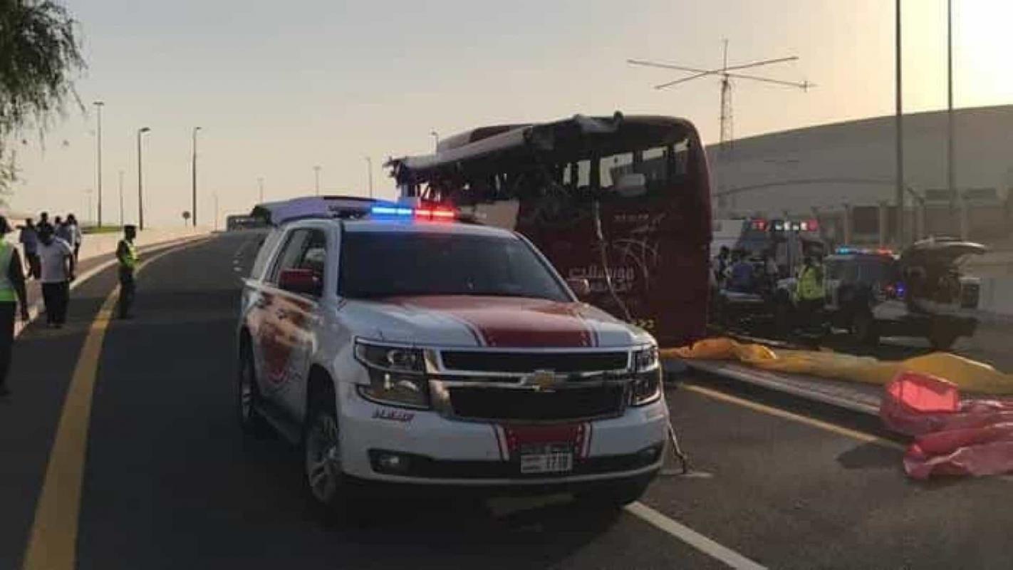 Acidente com autocarro no Dubai faz 17 mortos