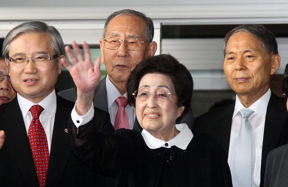 Morreu ativista e antiga primeira-dama da Coreia do Sul Lee Hee-ho