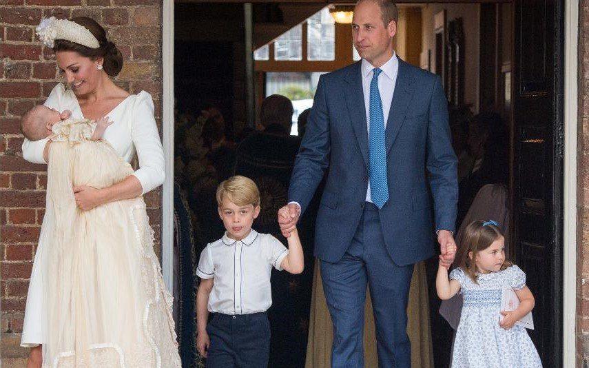o presente que o principe william recebeu da mulher e dos filhos no dia de aniversario impala