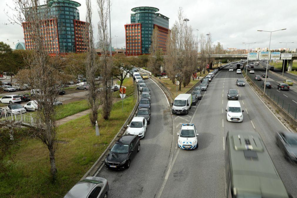Portugal é o 2.º país da UE que mais usa carros como principal meio de transporte