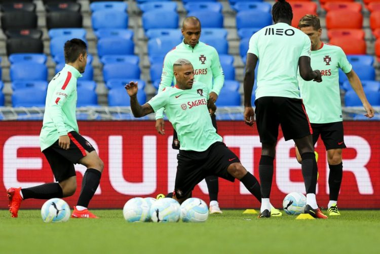 Portugal termina 2016 em oitavo no 'ranking' FIFA e Argentina na liderança