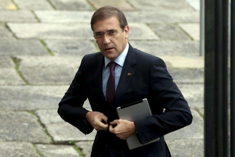 BES: Passos Coelho acusa Governo de fazer encenação com solução para lesados