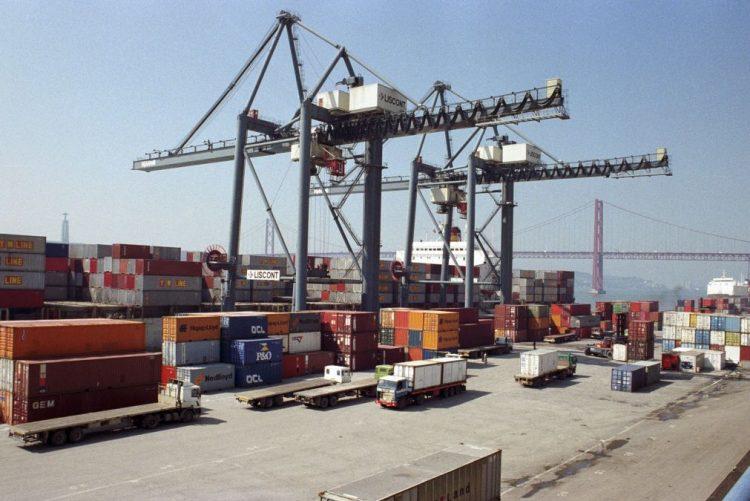 Governo quer empresas exportadoras a apoiar língua portuguesa no estrangeiro