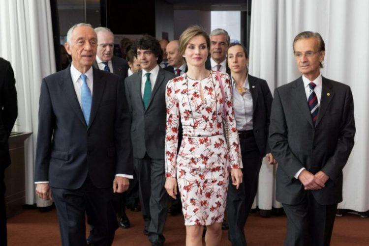Rainha Letizia repete vestido em visita ao Porto