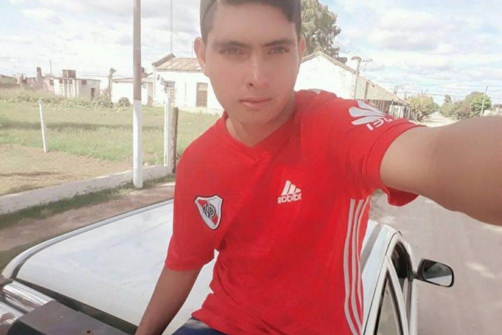 Guarda-redes argentino de 17 anos morre após defender penálti com o peito