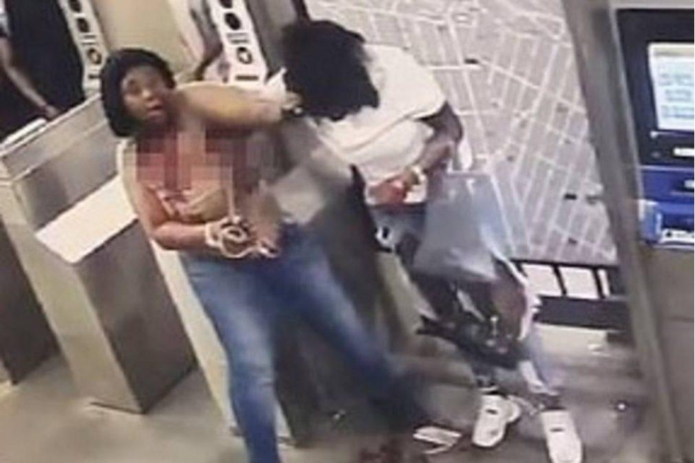 Jovem mata mulher à facada no metro de Nova Iorque [vídeo +18]