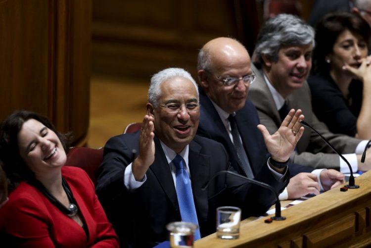 Costa defende que solução para os lesados do BES é vital para confiança na banca