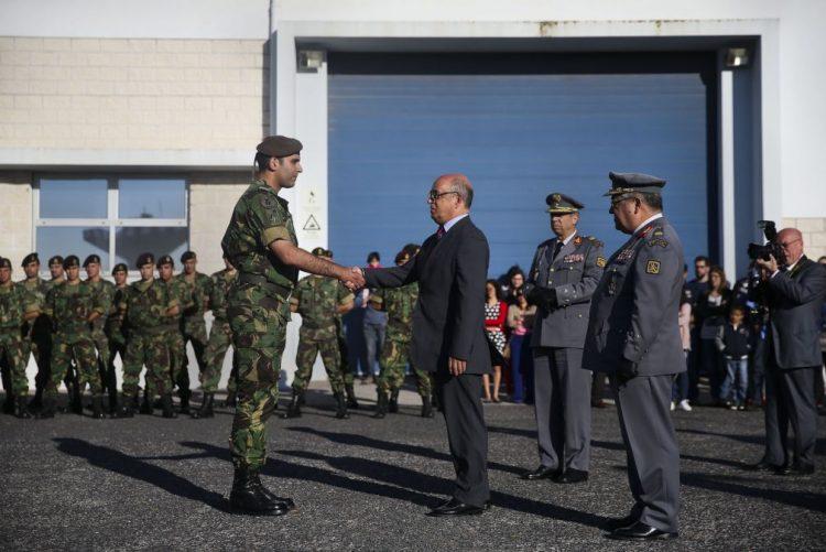 Oficiais das Forças Armadas dizem que ministro da Defesa teve ano de negligências e erros