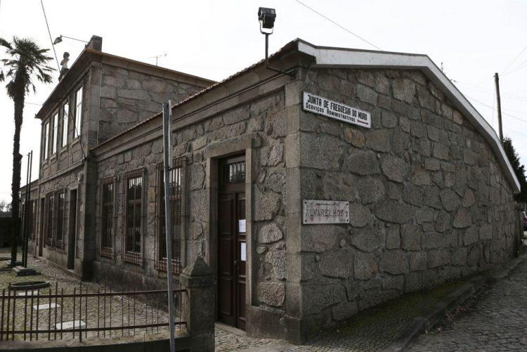 Projetos de BE e PCP que pediam reposição de freguesias chumbados no parlamento