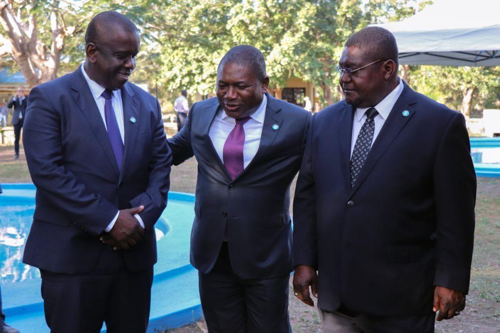 Presidente moçambicano e Renamo assinam este mês acordo geral de paz final