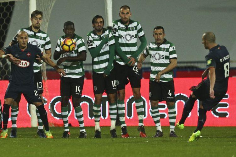 Sporting vence em Belém com golo de Bas Dost aos 90+3