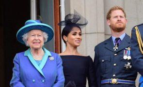 Meghan Markle deixa rainha Isabel II a rir à gargalhada com presente